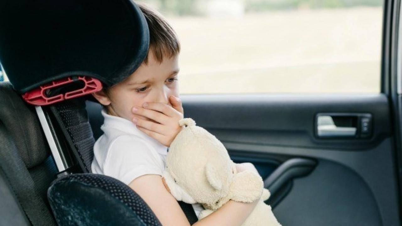 khử mùi khoang xe ô tô