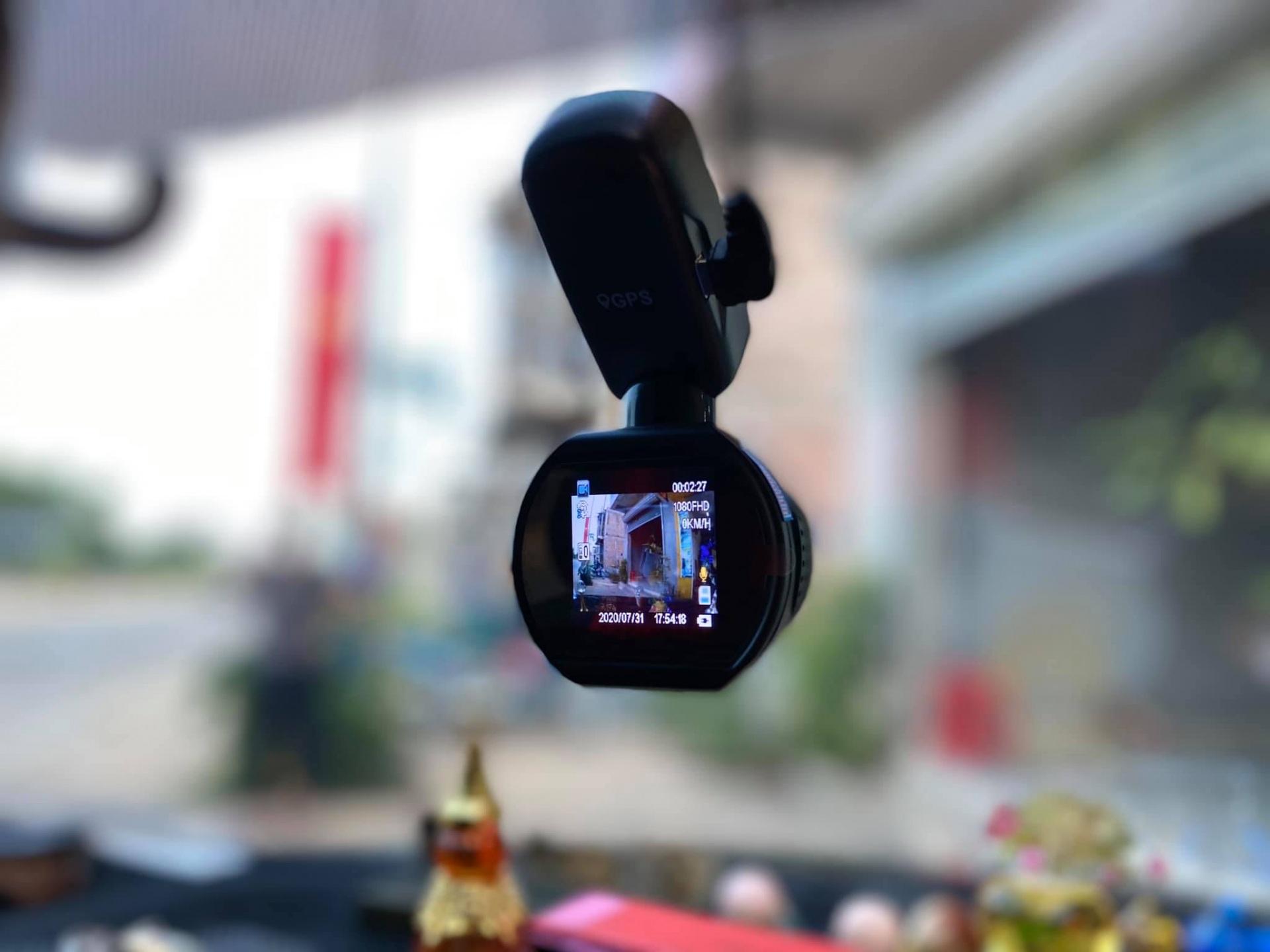 Camera hanh trinh Q1